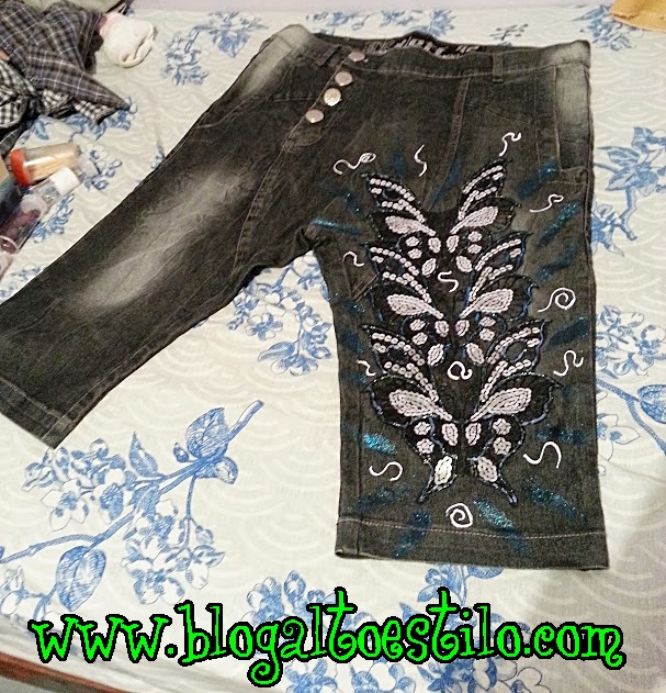 Customização de Shorts Jeans